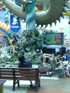 1階中央広場テレビ前